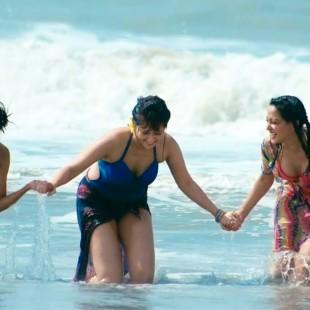 Ami Aar Amar Girlfriends (2013)
